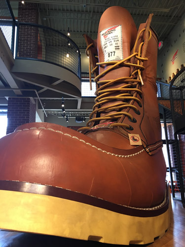 red-wing-giant-boot