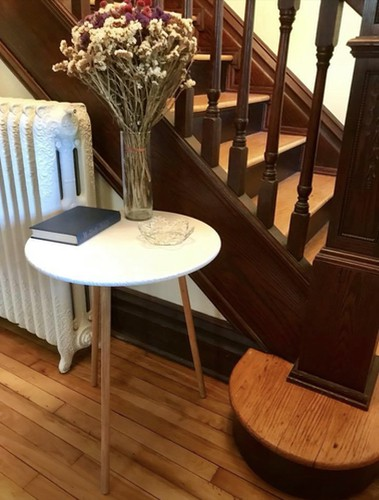 flipping furniture on ebay - end table 2